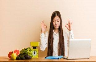 كيف تعيد برمجة عقلك للوصول إلى الوزن المثالي؟