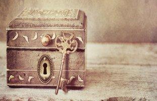 الصندوق في المنام وتفسير رؤية الصناديق في الحلم بالتفصيل