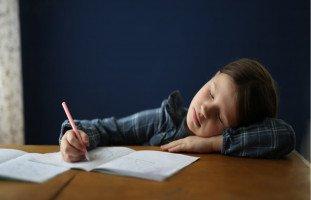 ماذا يحتاج الطفل ليعتمد على نفسه؟