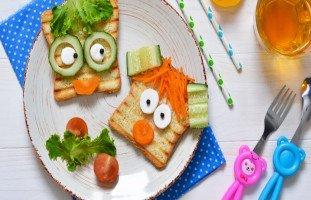 تربية طفل يستمتع بالأكل