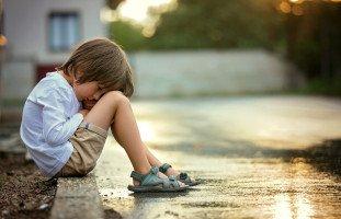 الأثار طويلة الأمد للإهمال العاطفي للطفل
