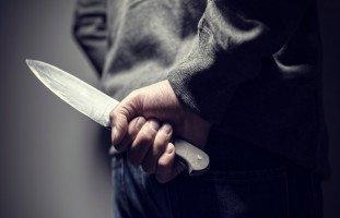 السكين في المنام وتفسير رؤية السكاكين في الحلم بالتفصيل