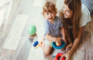 مهارات الطفل في عمر السنتين والكلام والحركة والتفكير