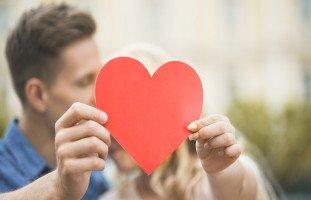 علامات الوقوع في الحب