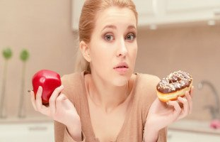أغذية تجعلك تبدو أصغر سناً وأكثر شباباً