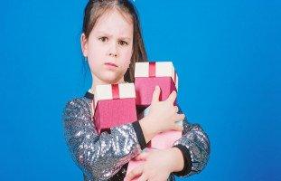 الطمع عند الأطفال وكيفية تعليم الطفل القناعة