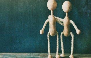 مفهوم الحب والصداقة والخيط الرفيع بينهما