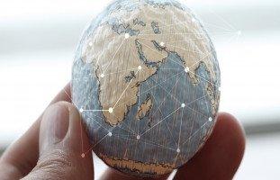 بحث عن العولمة ... أسباب العولمة ونتائجها وأنواعها