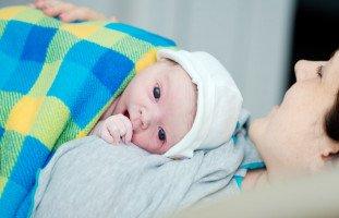 عناية الأم الجديدة بنفسها بعد الولادة