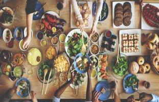 الطعام في المنام وتفسير حلم الأكل