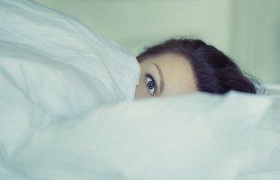 عشرة أسباب وراء خيانة المرأة لزوجها