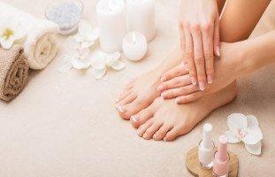 هل يعجبكِ شكل قدميكِ؟.. إليكِ فوائد الباديكير وطريقة باديكير القدم في المنزل