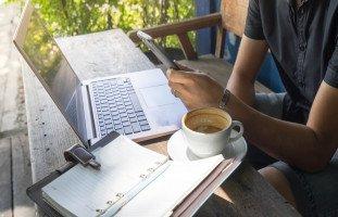 العمل الحر ومبدأ العمل بالقطعة