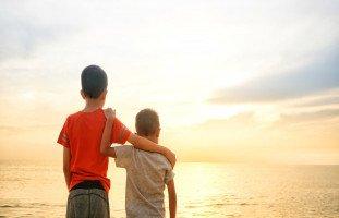تأثير الأصدقاء والأقران على السلوك وتطور الشخصية