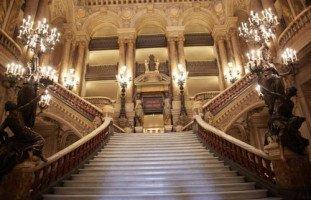 حلمت بأني دخلت القصر
