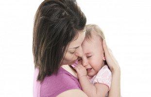 ابنتي تهز رأسها كثيراً، هل هي مصابة بالتوحد؟