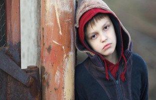 كيف اتعامل مع طفلي ضعيف الشخصية