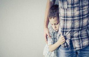 بالغت في تربية طفلي حتى أصبح مسالماً لا يدافع عن نفسه