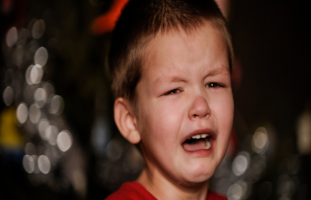أشعر بأني فقدت السيطرة على ابني