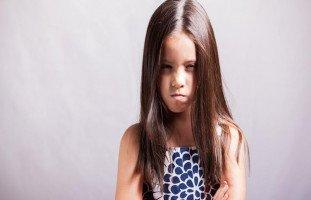 كيف أتعامل مع ابنتي العنيفة والأنانية؟