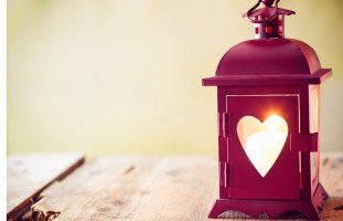 هل عيد الحب فرصة للتعبير عن المحبة؟ | حلوها