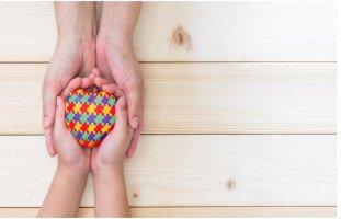 أعراض مرض التوحد وسبل علاجه الجزء الأول | حلوها